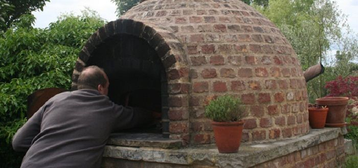 Outdoor brick oven creative home design pinterest - How to build an outdoor brick oven ...