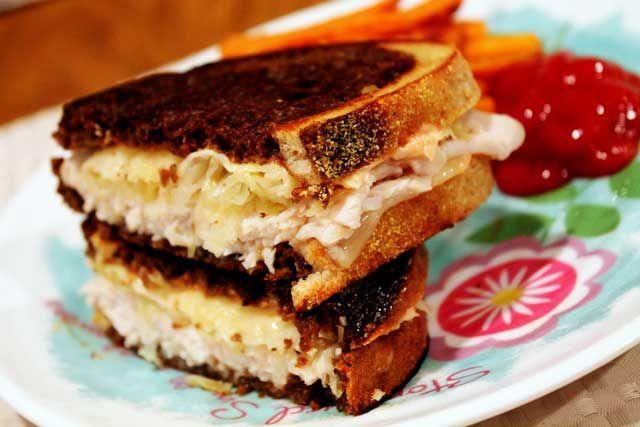 Skinny Turkey Reuben Sandwich - #recipe #lowcal