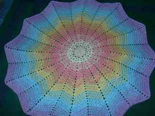 Summer Bedspread Granny Square -- Free Crochet Pattern