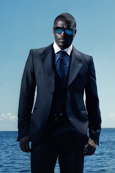 Akon super sharp in blue and pinstripes