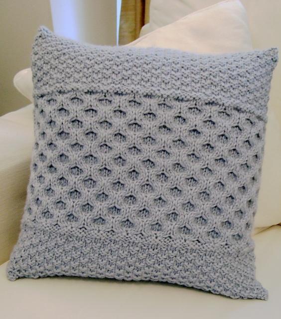Free Knitting Cushion Patterns : Honeycomb cable cushion Knitting inspirations Pinterest