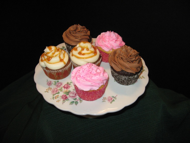 Mocha Cupcakes with Mocha Icing, Pumpkin Cupcakes with Cream Cheese ...