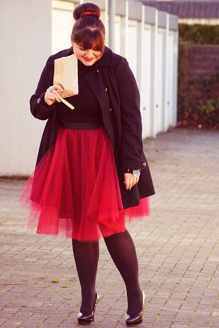 CONQUORE · The Fatshion Café | Plus Size Blog: Merry Christmas! - Such a pretty tulle skirt!