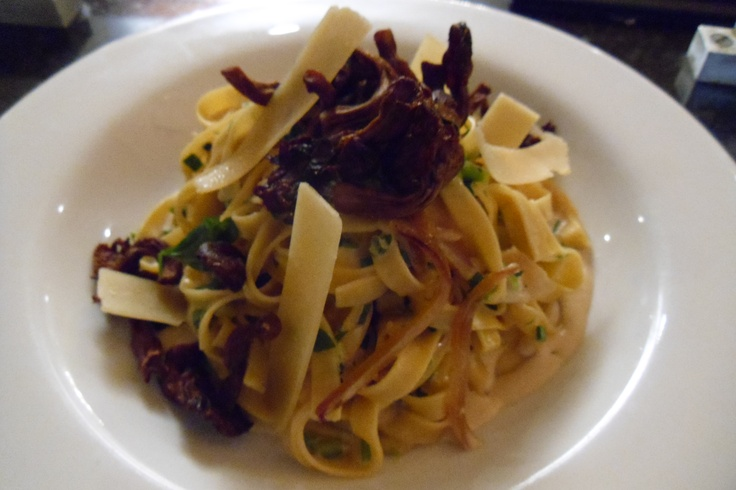 Autumn Wild Mushroom Fettuccine with Light Herb & Garlic Cream Sauce ...