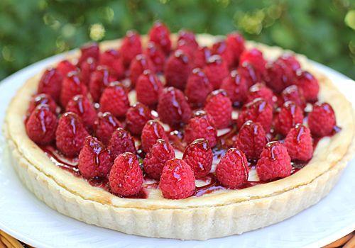 Raspberry Cream Cheese Tart http://www.thegalleygourmet.net/2011/08 ...