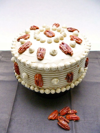 My Canadian Cake or Maple Pecan Layer Cake with Maple Swiss Meringue ...