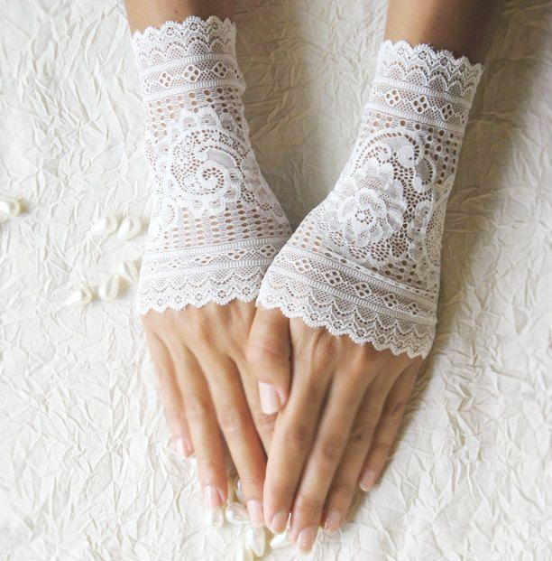 wedding lace gloves cuffs mittens ivory gloves