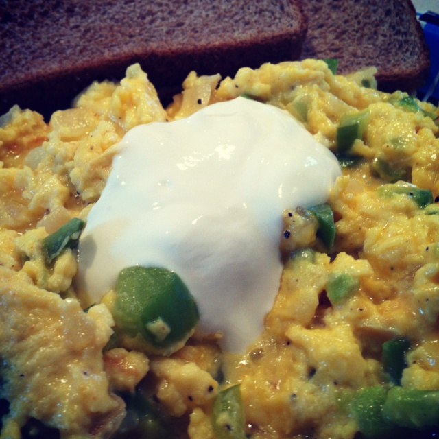 Scrambled Eggs With Spinach And White Cheddar Recipe — Dishmaps