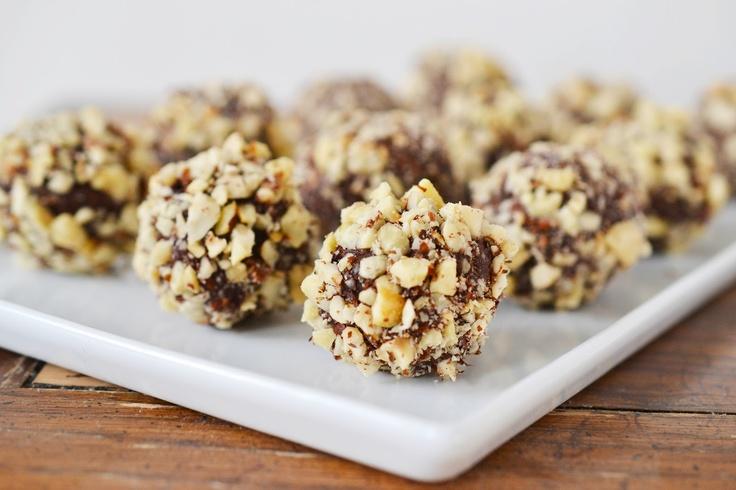 Chocolate Hazelnut Truffles | Sweets: Minis/Cupcakes | Pinterest