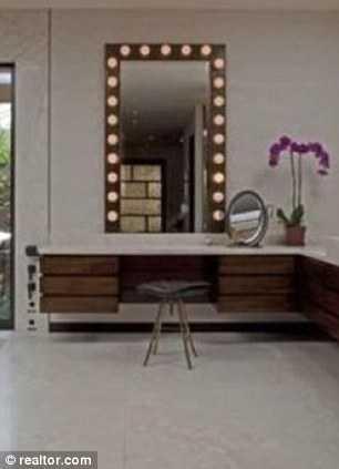 Makeup station vanities pinterest for Celebrity dressing room mirror