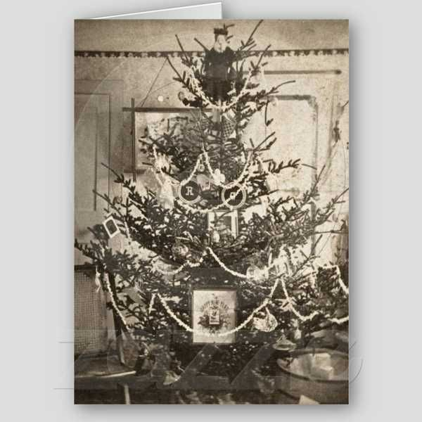 Pin by lisa dudik on holidays pinterest for Vintage christmas decorating ideas