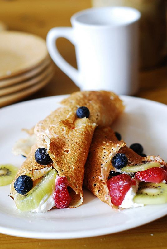 Dessert crepes with ricotta cheese, berries, and kiwi | JuliasAlbum ...