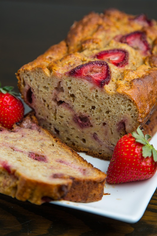 Strawberry Greek Yogurt Banana Bread | Food | Pinterest
