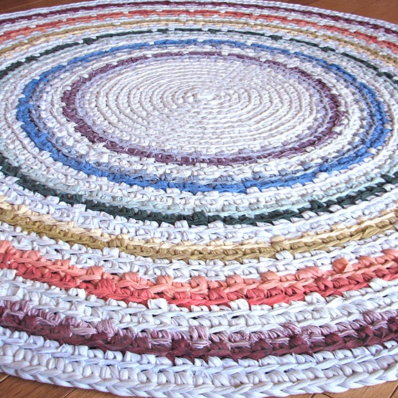 Crocheting Rag Rugs : crochet rag rug. should start one of these soon for the kids new room ...