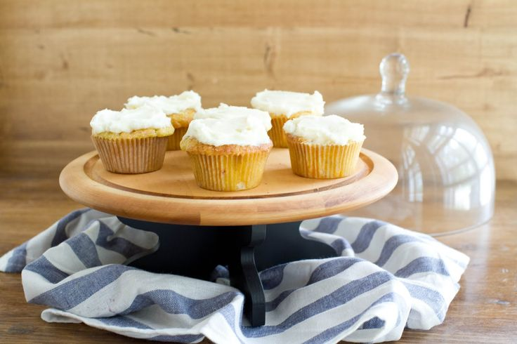 Roasted Peach Cupcake with Vanilla Buttercream | Recipe