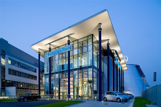 Pin by daniele nepoti on milano milan mailand heimat for Mercedes benz us headquarters
