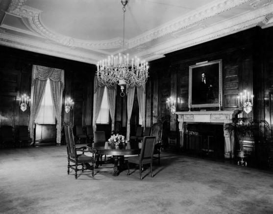 State dining room before renovation 1950 truman administration ren - Dining room renovation ...