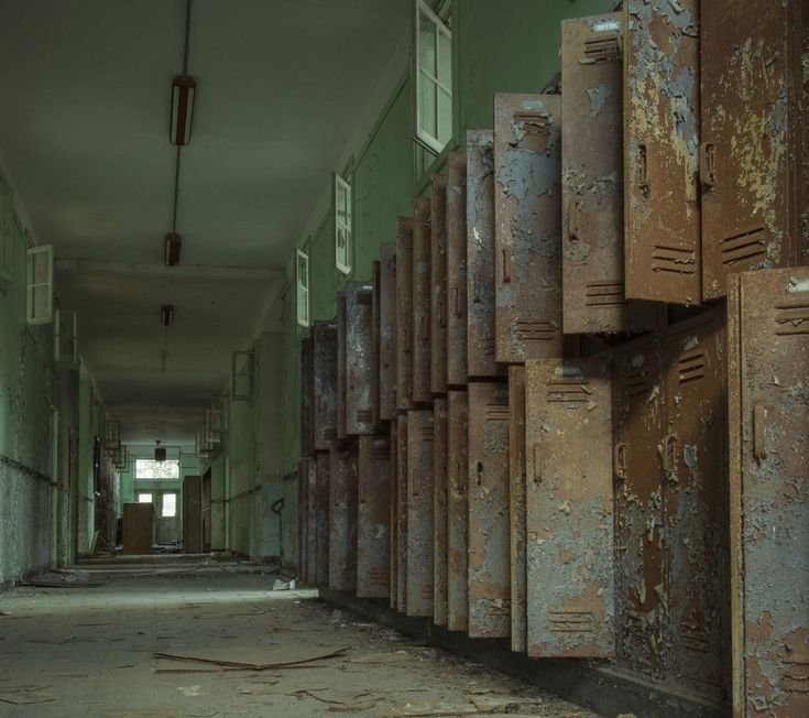 Abandoned school mississippi gone but not forgotten pinterest - The house in the abandoned school ...