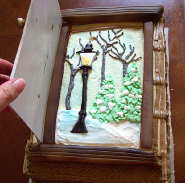"Narnia Cake with ""the door open"""