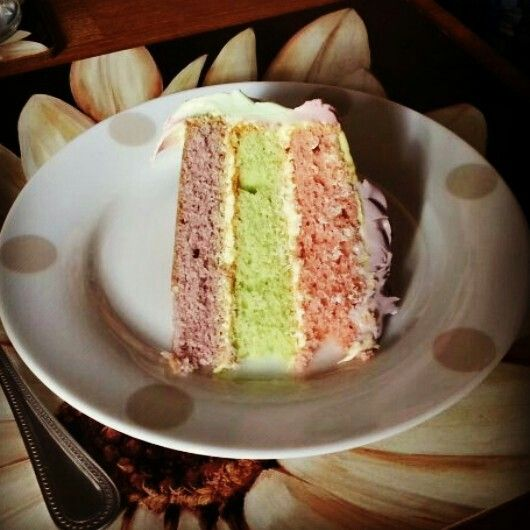 Inside pastel layer cake | My cakes and bakes | Pinterest