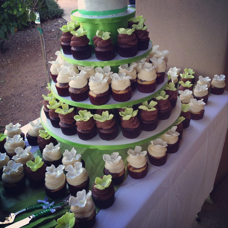 Has Anyone Ordered Wedding Flowers From Costco : Costco bakery cakes are perfect for your celebrations