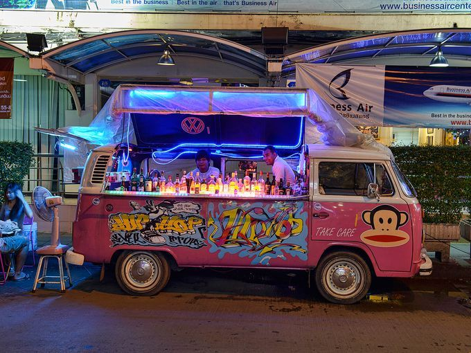 Vw buses used as bars in bangkok for Bar 96 food truck