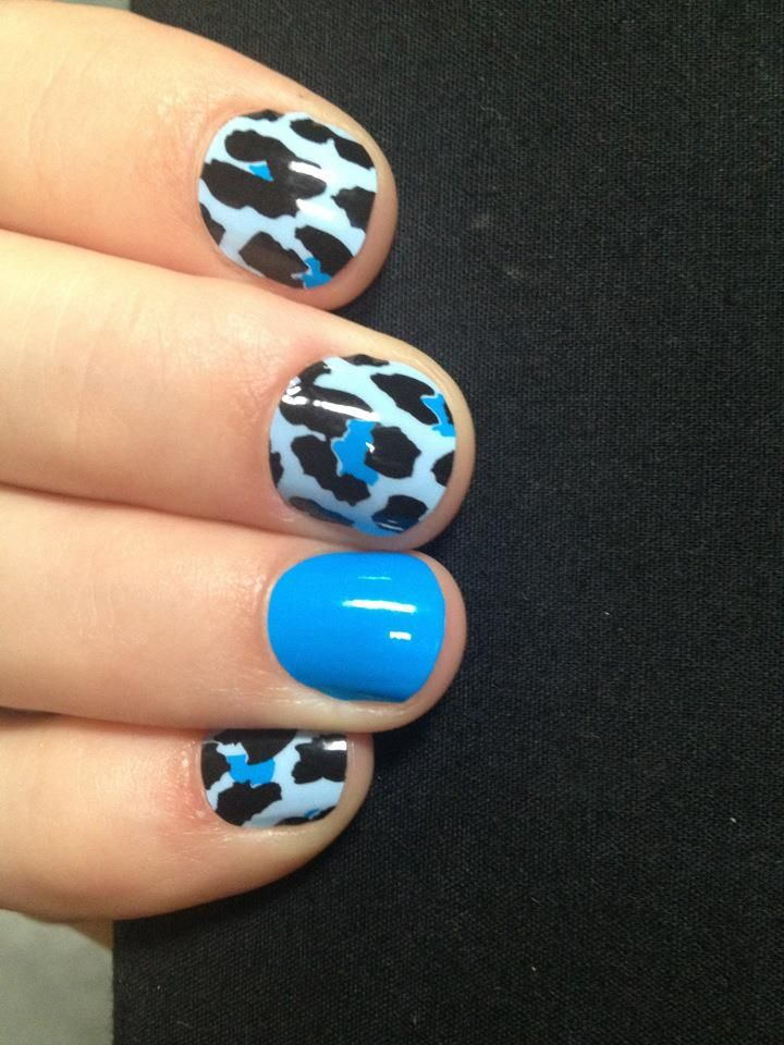 nail art combo of Blue Leopard and Cyan Solid