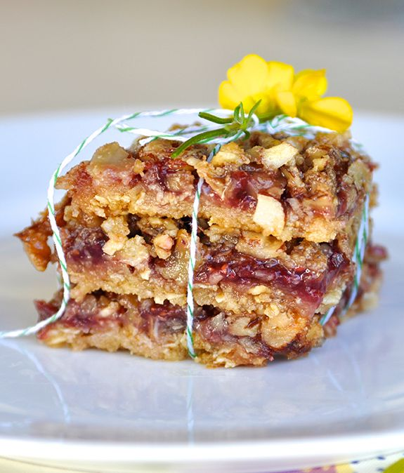 Raspberry Oat Bars from Say Yes To Hoboken... could be made GF with ...