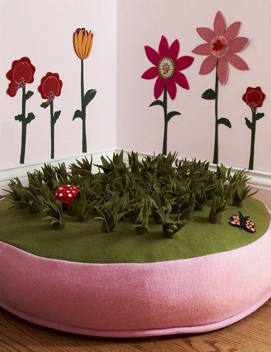 floor cushion w/faux grass