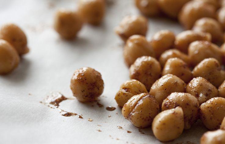 healthyish snack....Honey Cinnamon Roasted Chickpeas!