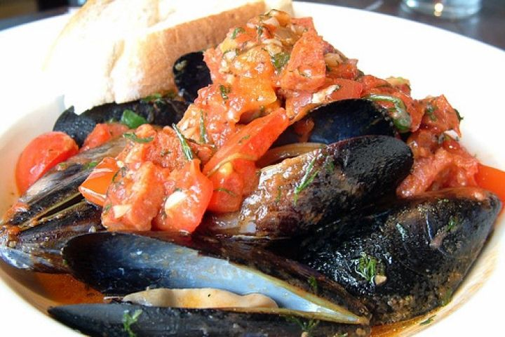 Mussels with Thai Red Curry Recipe -Mary Lindley's favorite