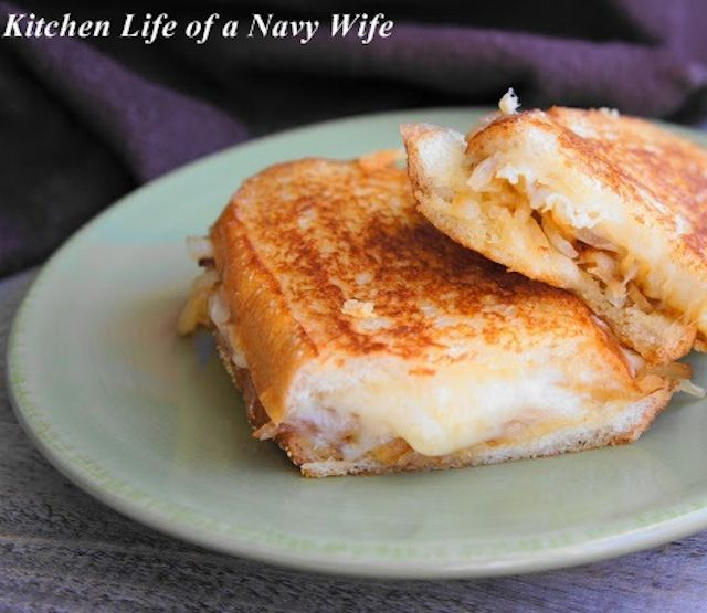 French Onion Grilled Cheese Sandwich | yummy. | Pinterest