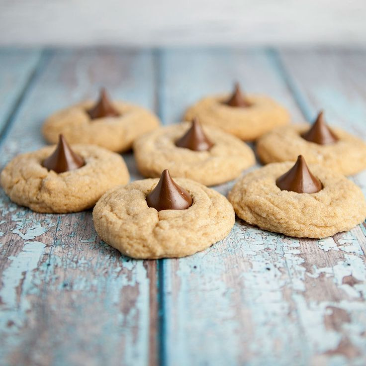 THE BEST PEANUT BUTTER COOKIE RECIPE!! The Best Peanut Butter Blossoms ...