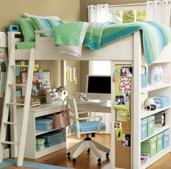 DIY Bunk bed with desk love it Would like this for Mia when she gets ...