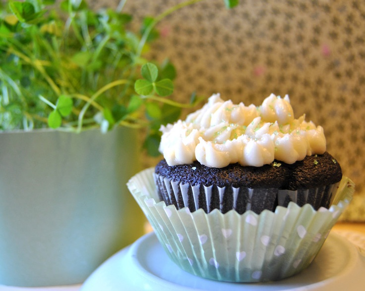 ... Day Recipe :: Chocolate Stout & Whiskey Cupcakes with Irish Cream