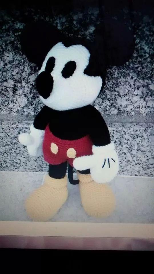 Patron Mickey Mouse Amigurumi Gratis : Mickey Mouse amigurumi patron terminado Amigurumis ...
