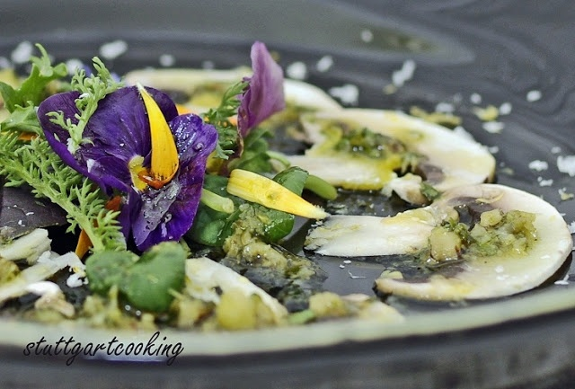 Cooking: mushrooms with lemon and parsley pesto with wild herb salad ...