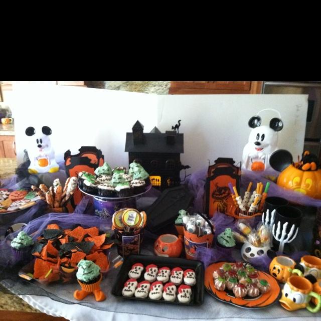 halloween treat buffet party ideas pinterest. Black Bedroom Furniture Sets. Home Design Ideas