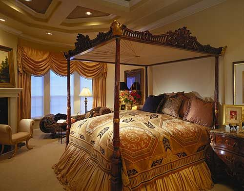 Luxurious Master Bedroom Suite