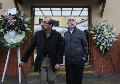 Los restos mortales del poeta antonio cisneros ser n for Cementerio jardin de paz