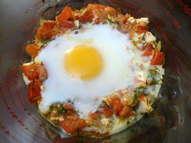Tomato & Feta Baked Eggs | Healthy Recipes to Try | Pinterest