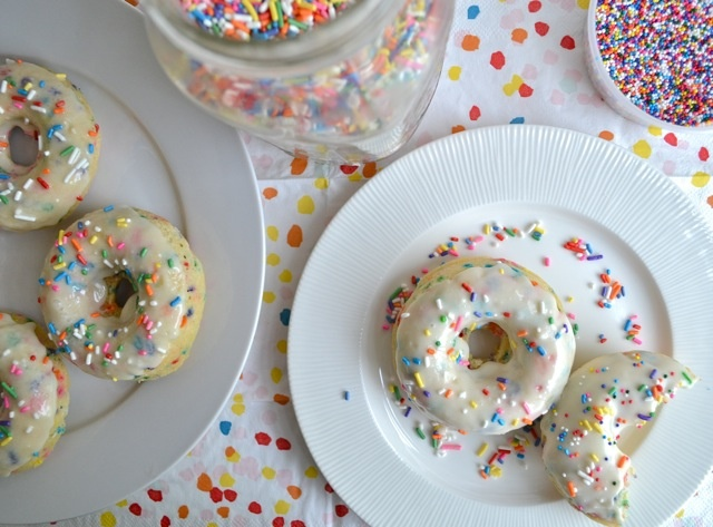 baked confetti donuts | Food | Pinterest