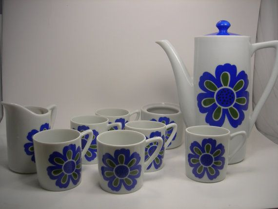 Oh So Adorable Vintage Tea Set : Found on etsy.com