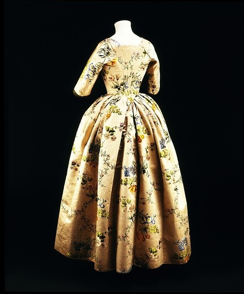 english womens clothing 18th century