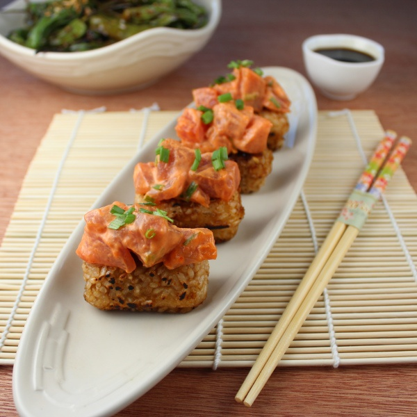 Spicy Tuna Rice Cakes | Foodie | Pinterest