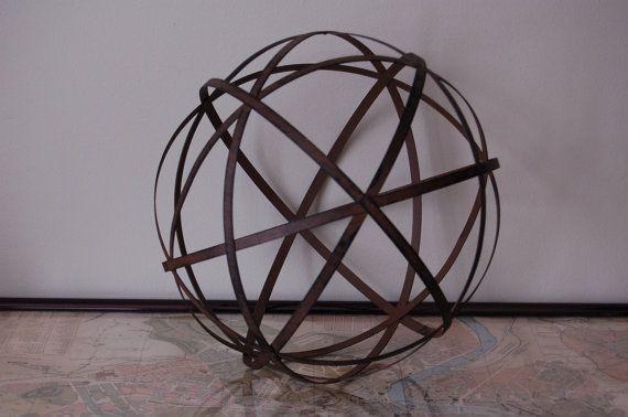 Large decorative metal sphere globe - Massieve decoratieve tuin ...