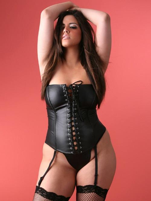 Bbw leather corset