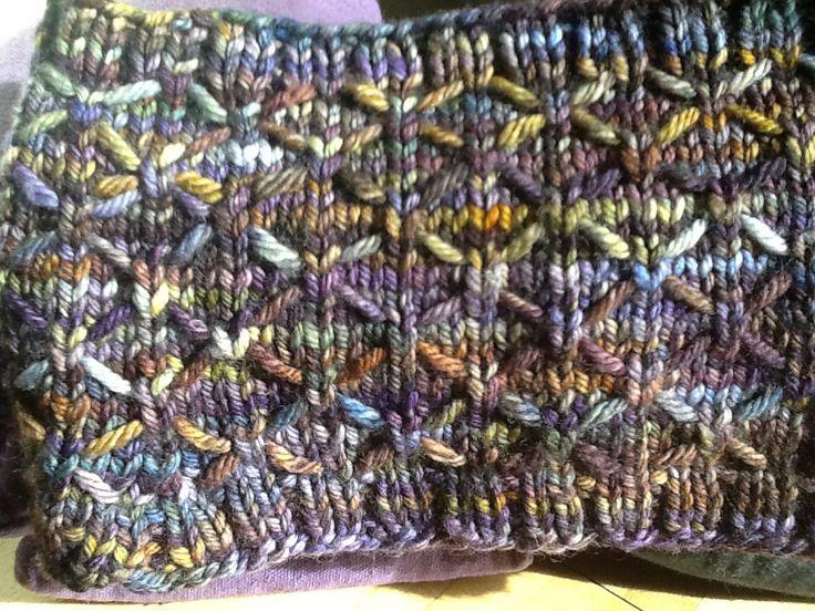 Variegated Yarn Knitting Patterns : Stitch pattern for variegated yarn. knitting Pinterest