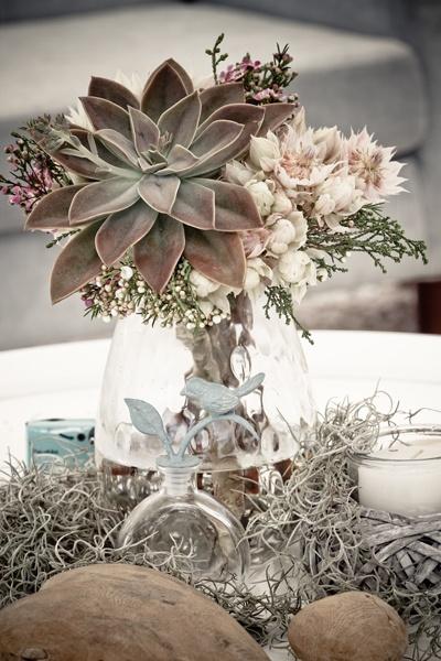 Simple Beach Wedding Table Decorations Photograph