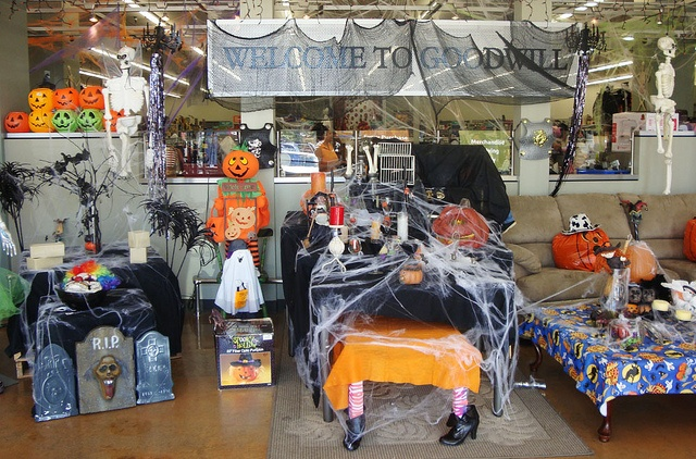 halloween store locations edmonton